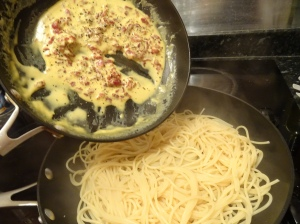 Add Bacon Cream to Pasta