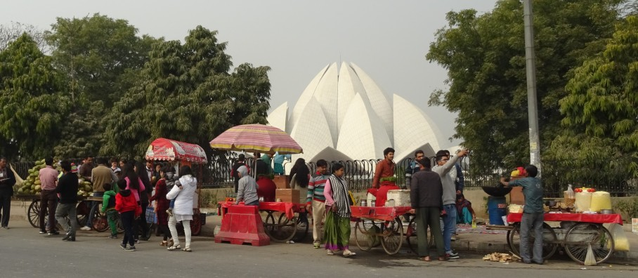 Roadside Snacks at Bahai Temple
