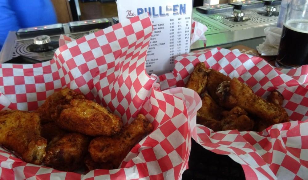 Heavanly Buffalo Wings at the BullPen
