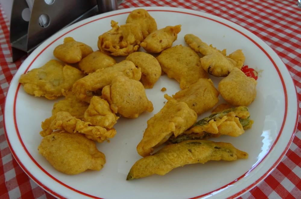 Mixed Vegetable Pakora at Kuber Resort